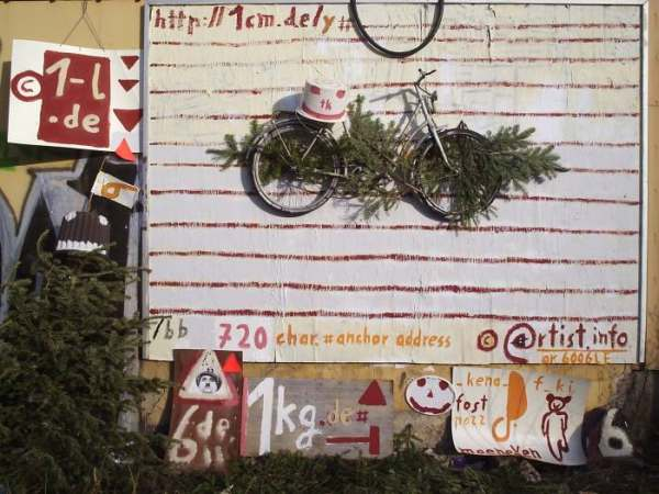 installed bike on the ''weblink billboard'', a multi line link